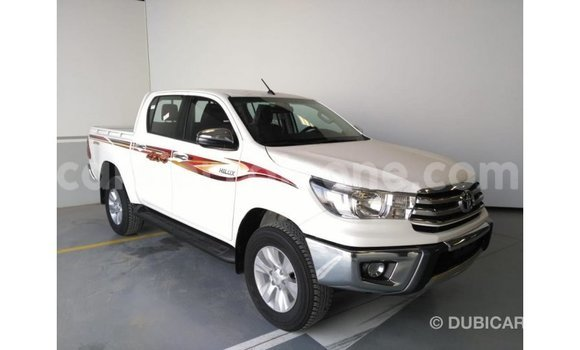 Buy Import Toyota Hilux White Car in Import - Dubai in Kailahun