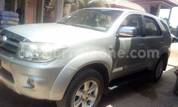 Buy Used Toyota Fortuner Silver Car in Freetown in Western Urban