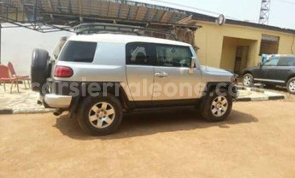 Buy Used Toyota FJ Cruiser Silver Car in Freetown in Western Urban