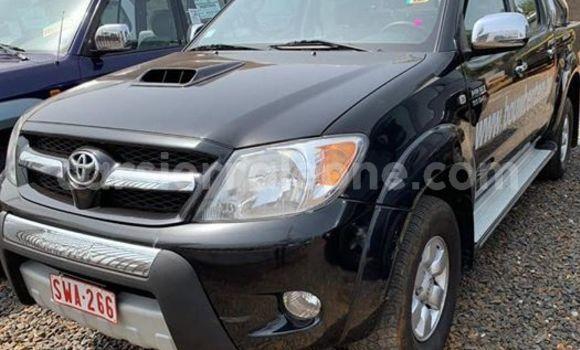 Buy Used Toyota Hilux Black Car in Freetown in Western Urban