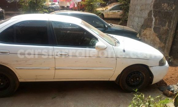 Buy Used Nissan Sentra White Car in Freetown in Western Urban