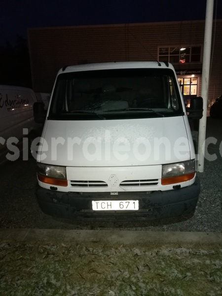 Big with watermark renault van 3