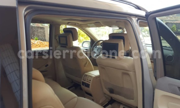 Buy Used Mercedes‒Benz GL–Class Beige Car in Freetown in Western Urban