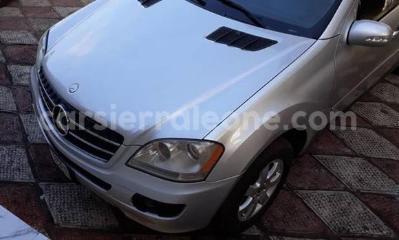 Buy Used Mercedes‒Benz ML–Class Silver Car in Freetown in Western Urban